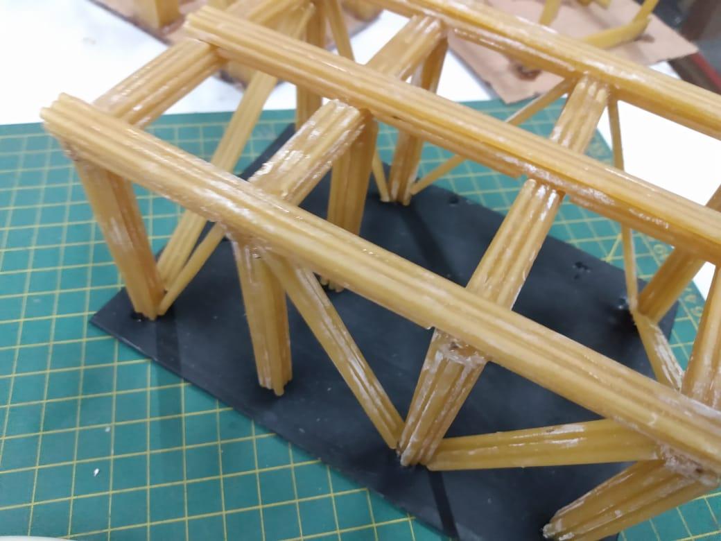 Maquetes estruturais da Escola de Construção: mais de uma tonelada!
