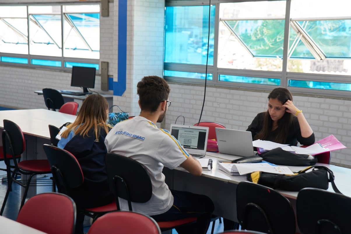 Eniac abre 1.000 bolsas de estudos para cursinho preparatório